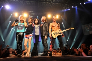 Def Leppard Live 2013