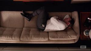 Mad Men_Don en posición fetal