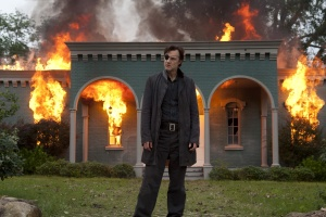 The Walking Dead Season 4 - The Governor Burning Woodbury