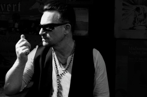 U2-Songs of Innocence-Bono