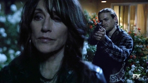 Sons of Anarchy - Season 7 - Muerte entre las flores