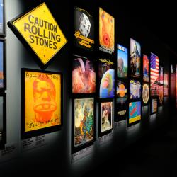 Exhibitionism sala portadas
