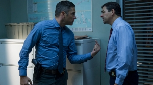 bloodline-kyle-chandler-enrique-murciano