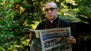 sorrentino-e-la-fede-per-il-napoli-in-the-young-pope-il-cardinale-tifoso-video