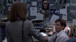 Dana_Scully_meets_Fox_Mulder